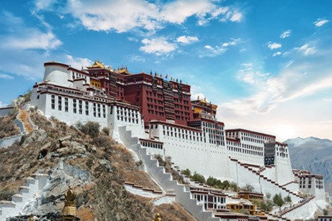 Tibet Photo Tour - 23 - Potala Palace in Lhasa ( Tibet ) with beautiful sky